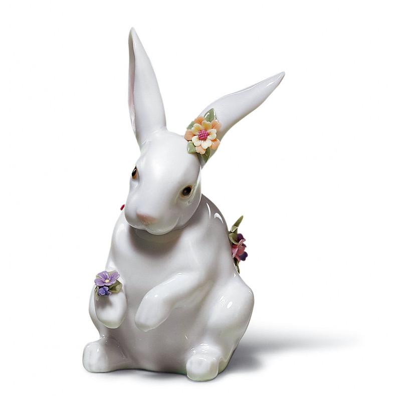 Сидящий кролик с цветами LLADRO