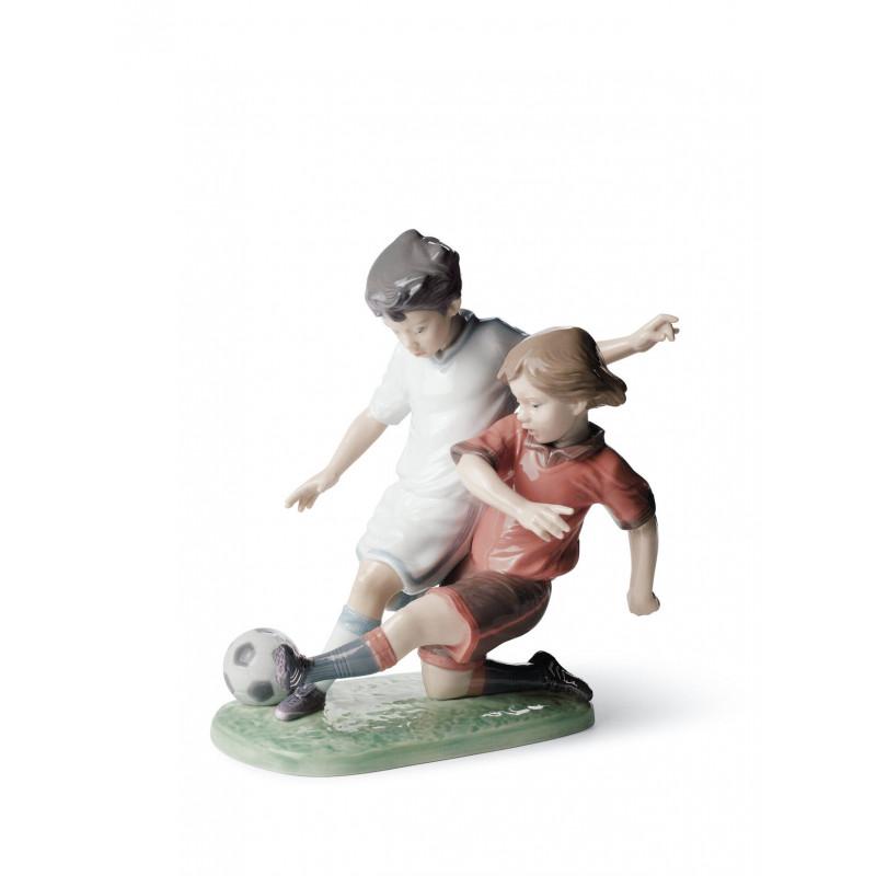 Статуэтка Футболисты-дети Lladro 01008401